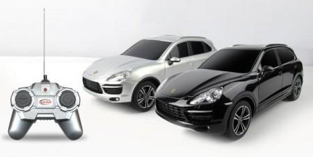 Rastar igračka RC automobil Porsche Cayenne 1:24 - crn, bel ( 6210741 )