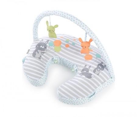 Kids II jastuk plenti+ nursing pillow + toy bar - hop art ( SKU11821 )